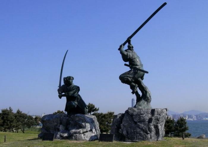 miyamoto musashi vs sasaki kojiro monumento ganryujima