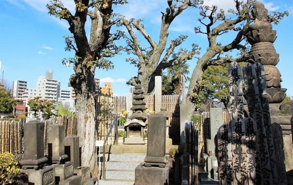 oiwa sugamo tumba myogoji